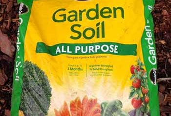 miracle gro garden soil review